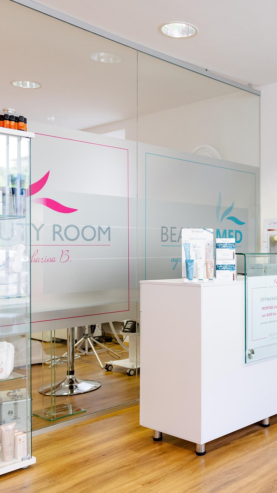 beauty-room-website-home-studio-mobile